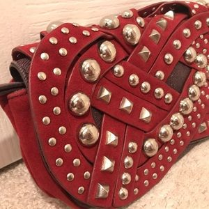 ⭐️ FINAL PRICE ⭐️ Nicole Lee studded wine wristlet